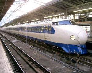 1959年7月31日は、特急「こだま」による狭軌道鉄道での時速163キロメートルを達成した日の記念日。