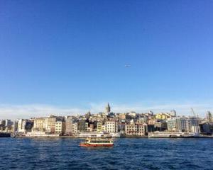 1890年9月16日は、エルトゥールル号というオスマン帝国の船が、台風に巻き込まれ、遭難した日。
