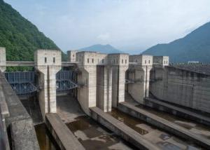 2006年9月25日は、日本最大級の徳山ダムが、完成した日。