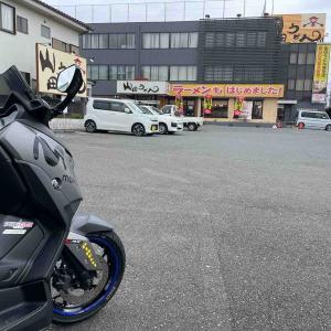 ひまわりとバイク