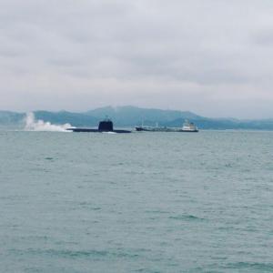 ★関門海峡を潜水艦が行く