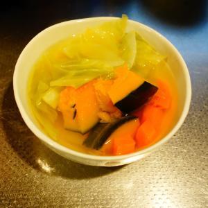 野菜スープ作りました。