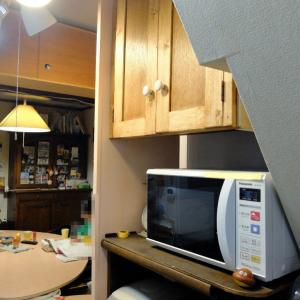 台所に 造作家具設置! 汗みどろ