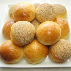 プチバターロールとシナモンパン【かなぢゃん食堂】【パン焼き】