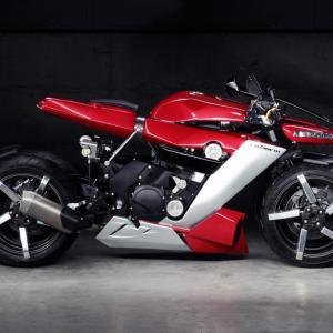 LAZARETH フランス発の4輪バイクは空も飛ぶ??