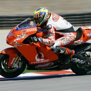 2005 DANTIN PRAMAC DUCATI GP4