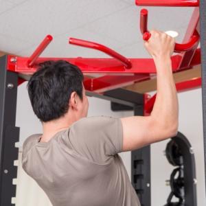 【チンニング】懸垂で肩を痛めないためのフォームと肩甲骨の使い方【筋トレ】