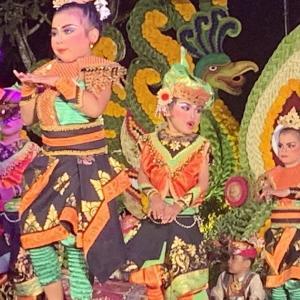 ププタン広場のイベント、ガムラン&バリ舞踊