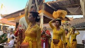 オダラン(お寺の儀礼祭)で踊りました!