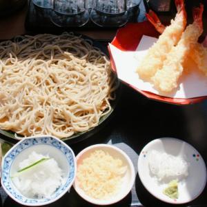 【ニセコ女子旅】大人気「手打蕎麦 いちむら」のテラス席で美味しいお蕎麦をいただく幸せ時間。