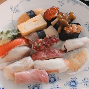 円山「鮨やしろ」でランチ握り15貫をテイクアウト♡1,800円は安い!変わりネタも美味しい♡