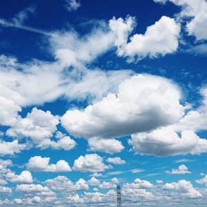 青空と雲と海に憧れてます