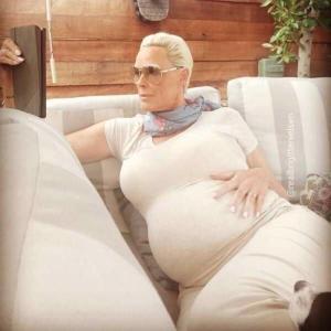 なんと54歳で妊娠!ブリジットニールセンに朝から超絶驚き(汗)