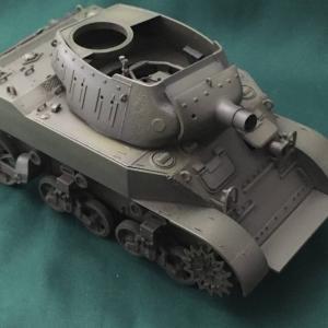 タミヤ:1/35 米陸軍 M8 自走榴弾砲 Vol.10 グラデ吹いてみた