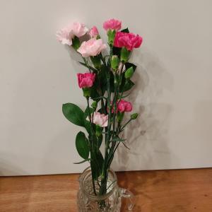 結婚記念日にもらった、子どもたちからのお花