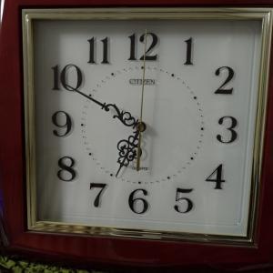 掛け時計の電池交換