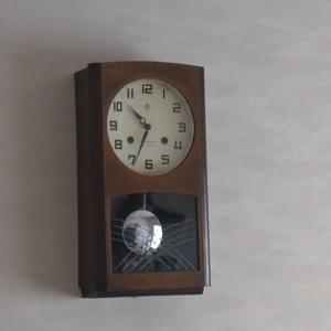 時計のゼンマイ巻