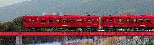 フリー素材「ことこと列車の動くイラスト」
