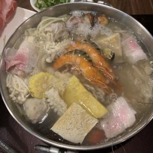 台中グルメ 自家製白菜の漬物を使った酸菜白肉鍋が絶品『黄金張老甕東北酸菜鍋』酸っぱい白菜鍋