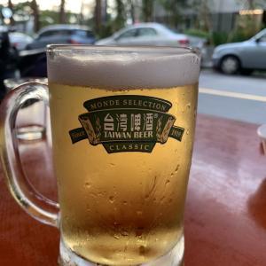 高雄グルメ 美味しいツマミ&生ビール!まったり飲める『愛河生啤酒小吃部』