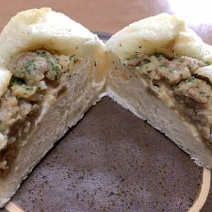 「台湾豚パン」モチモチ生地&ほのかな八角風味の具で台湾の割包!