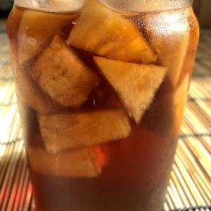 金鑚鳳梨を漬けた鳳梨醋(パイナップルビネガー)の炭酸割!サッパリ甘く美味しい