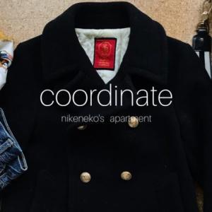 50代少ない服で暮らす通勤コーデ〜ショートコートは足長効果あり