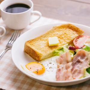 朝の朝食は抜きにしました。