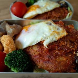 ロコモコ丼弁当と夏の猫