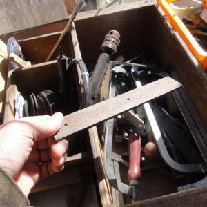 木材の皮むき器を作る