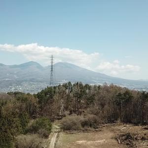 飛行場から浅間山を望む
