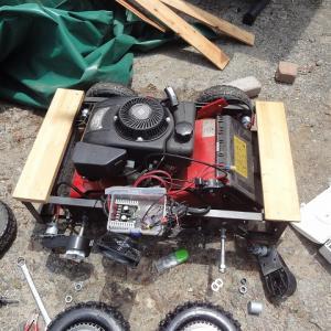 ロータリーモア(草刈り機)ラジコンカーの改良