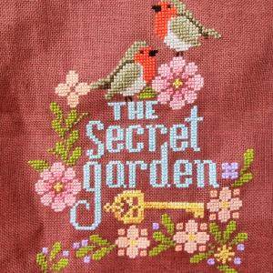"秘密の花園にコマドリさん ""Stitching Book Club: The Secret Garden"""