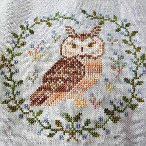 """さて、フクロウさん100羽を始めましょう """"SAL 100 owls"""" Owl Forest Embroidery"""