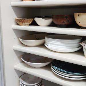 使いやすい食器棚を考える。