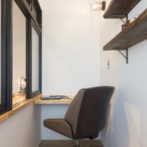 コンパクト書斎スペース。
