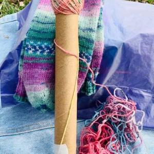 編み物をする公園の中の雰囲気が変わってきたのは
