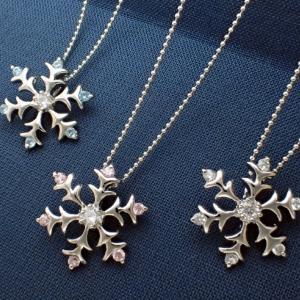❤︎雪の結晶 天然石 ペンダント❤︎ブルートパーズ ピンクトルマリン ダイヤモンド