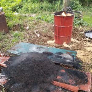 籾殻燻炭の完成