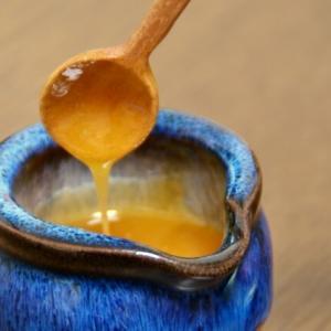 強い抗菌作用とともに栄養満点のハチミツ、マヌカハニー