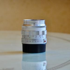 初代ズミルックスは現代レンズに負けない描写力だった!還暦過ぎの貴婦人とスナップ散歩(Leica M10-P+初代Summilux 50㎜ f1.4の作例あり)