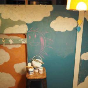 3枚の壁を雲でつなぐ☆娘部屋セルフリノベ