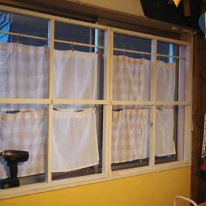 端材消費DIY♪娘部屋の窓を格子窓風にしてみました(*´▽`*)