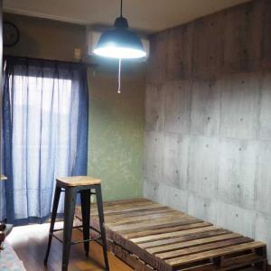 壁のペイントとインテリア途中経過☆甥っ子のお部屋を男の隠れ家風趣味部屋にリノベーション