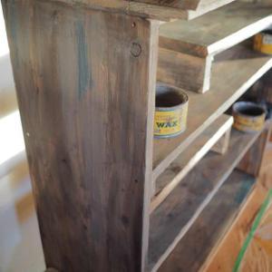 ペイントで古材風の棚にエイジング☆オープン式食器棚を作ろう♪