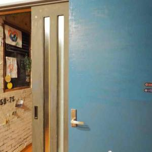 息子部屋のドアをペイントリメイク