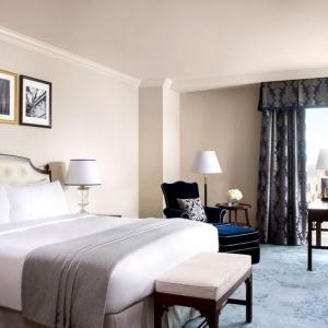 マリオットボンヴォイのポイントで高級ホテルを無料宿泊する方法。半年でも実現可能。マイルも貯まる。