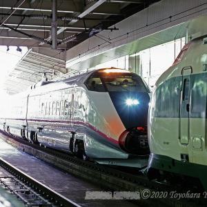 E3系こまちR1編成連結シーン@仙台駅