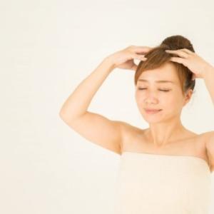 乾燥して頭皮が痒くなる原因と改善できるおすすめシャンプーの選び方!