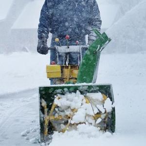 ホンダの除雪機のオーガ部のギヤケースのオイル交換の手引き